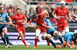 21.03.15 - Italy v Wales - RBS 6 Nations 2015 - Sam Warburton of Wales is tackled by Joshua Furno of Italy.