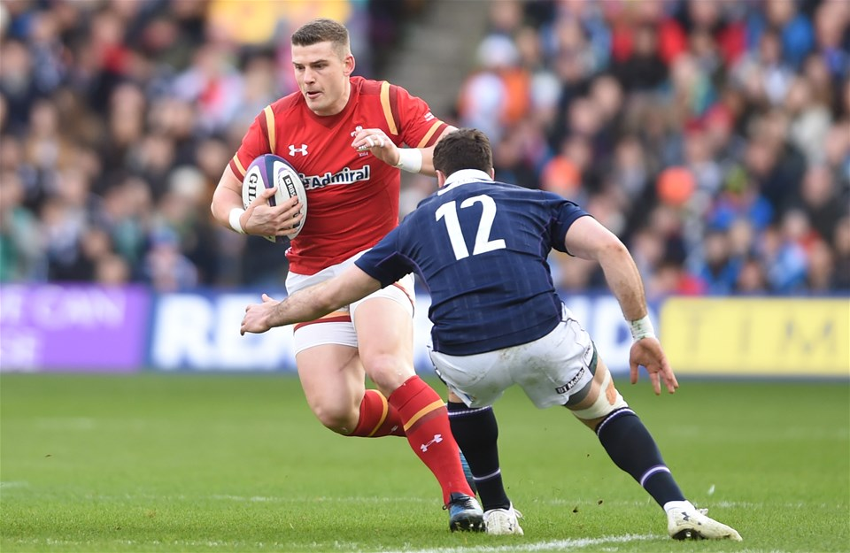 25.02.17 - Scotland v Wales - RBS 6 Nations 2017 -Scott Williams of Wales gets past Alex Dunbar of Scotland.